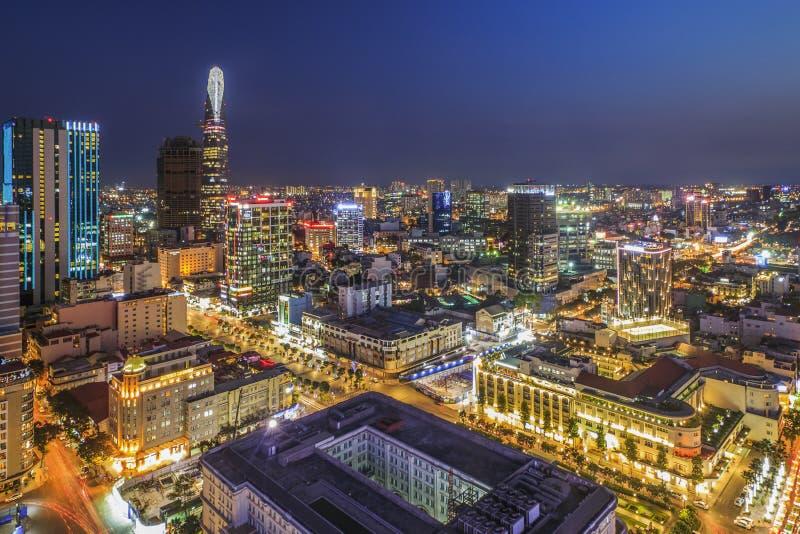 西贡,越南- 2016年4月08日-胡志明市印象风景在晚上, 免版税库存图片