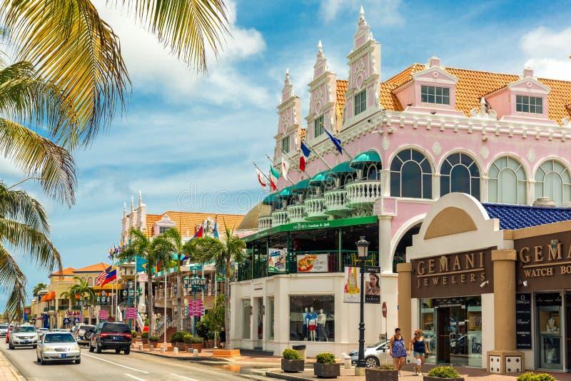 主要购物街道在Oranjestad,阿鲁巴 免版税库存照片
