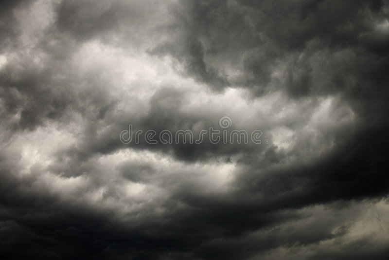 覆盖黑暗的风暴 免版税库存照片