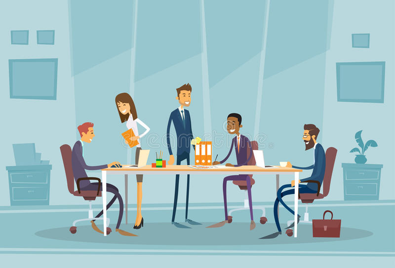 Download 见面的商人谈论办公桌 向量例证. 插画 包括有 夫人, 想法, 女实业家, 聪明, 商业, 协作, 字符 - 62525574