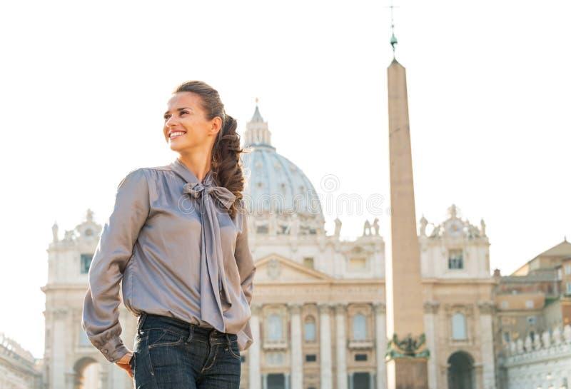 观光在广场圣彼得罗的妇女在梵蒂冈 图库摄影