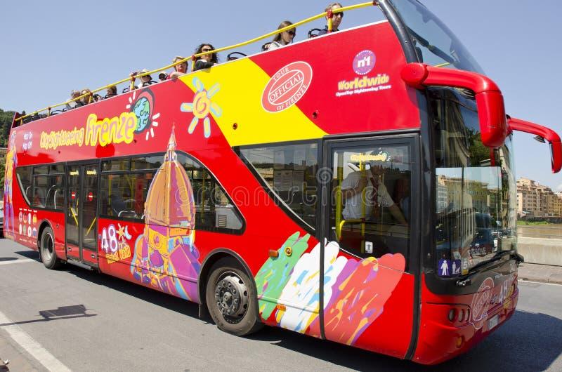 观光的公共汽车在佛罗伦萨,意大利 图库摄影