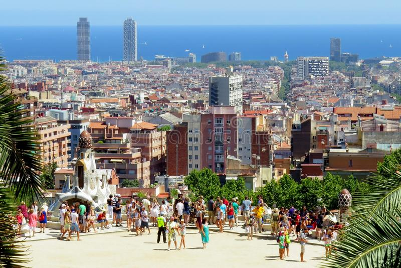 观察台在公园Guell 这个公园是其中一个建筑师安东尼奥Gaudi的项目 图库摄影