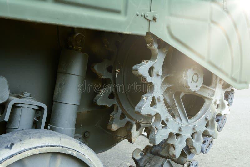 观点的坦克的绿色毛虫的前面部分 库存图片
