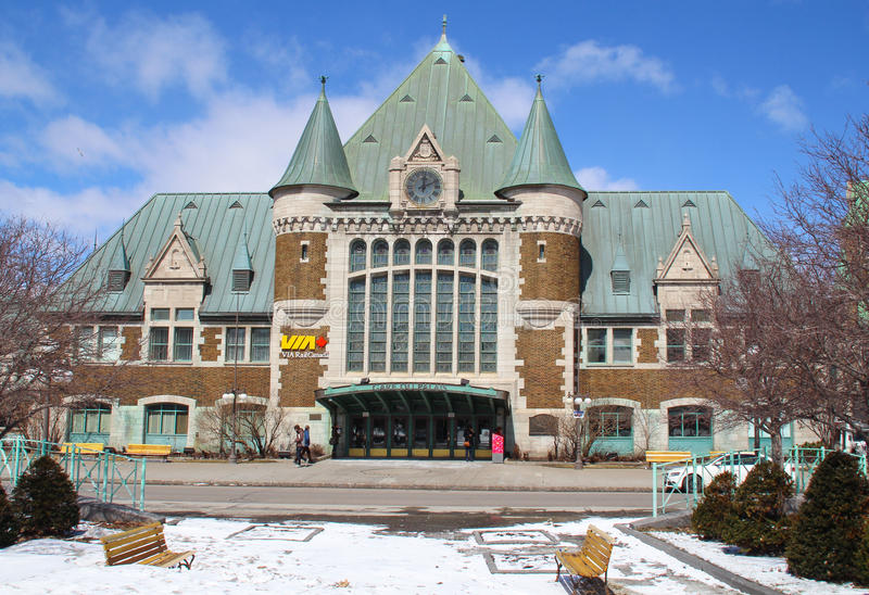 观点的Gare du Palais,魁北克中央火车站 在1915年被打开和遗产火车站 免版税库存照片