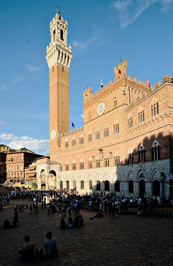 观点的Piazza del园地在锡耶纳,托斯卡纳地区,意大利 库存图片