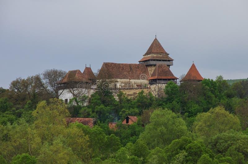 观点的Viscri加强了教会(城堡),特兰西瓦尼亚,罗马尼亚, 免版税库存照片