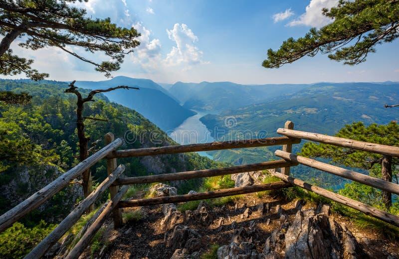 观点Banjska stena岩石在塞尔维亚 免版税库存照片