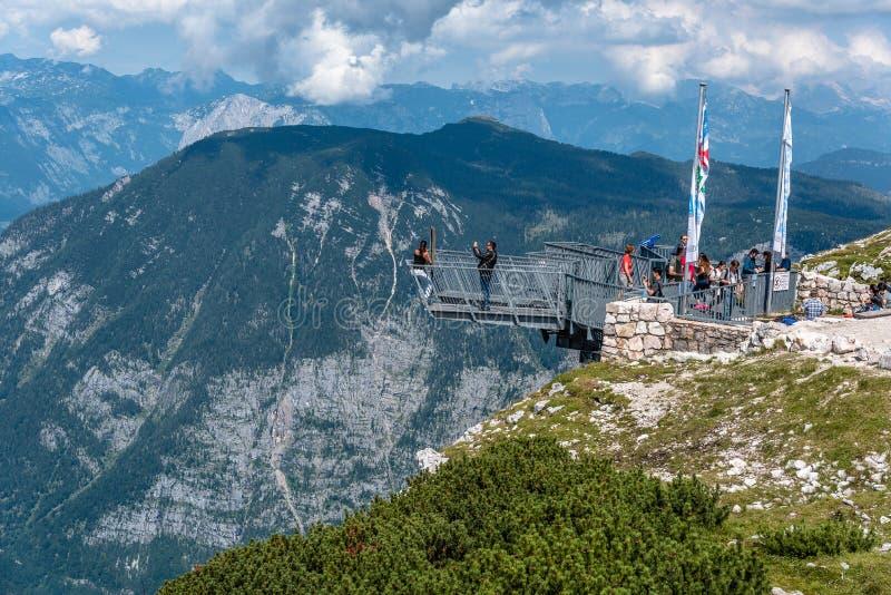 观看平台的五个手指风景看法在阿尔卑斯 库存图片