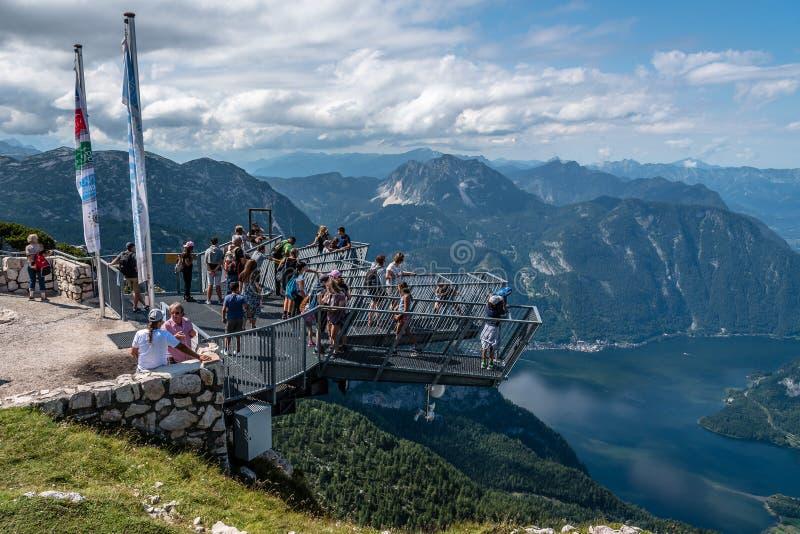 观看平台的五个手指风景看法在阿尔卑斯 库存照片