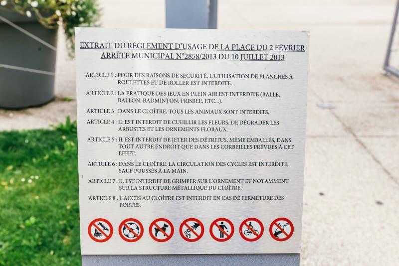 规则名单在一个公共场所 免版税图库摄影