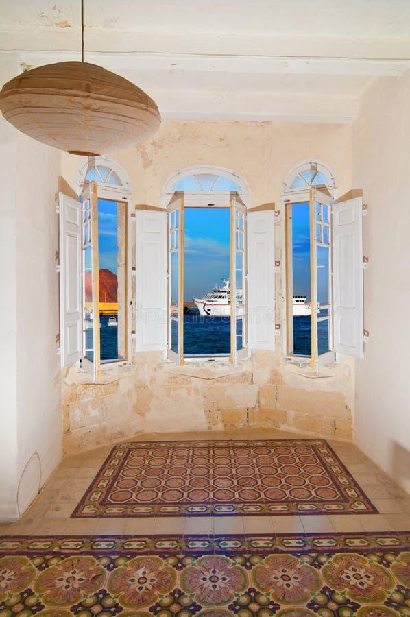 视窗俯视的passnger船到达 库存图片