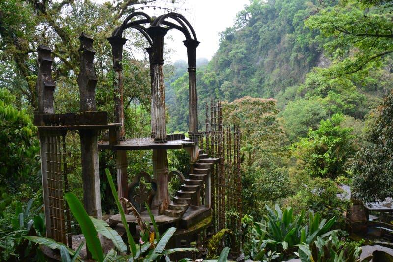 詹姆斯爱德华超现实主义的庭院Las博萨斯在Xilitla墨西哥 库存图片