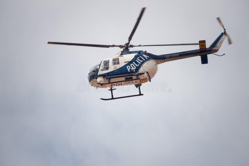 警察用直升机在西班牙 库存图片