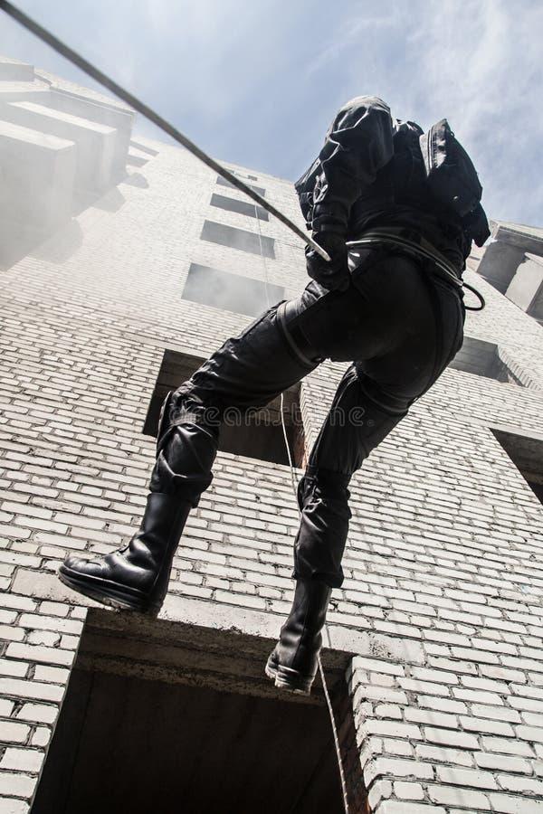 警察攻击操作 免版税库存图片