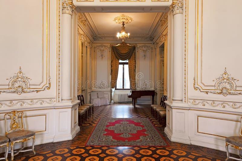 计数托尔斯泰宫殿的内部,叫作科学家议院在Odesa,乌克兰 免版税库存照片