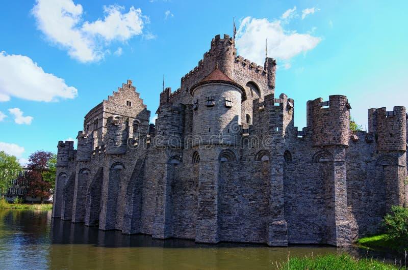 计数荷兰人的中世纪城堡城堡:在绅士的Gravensteen 城堡在1180年被修造了由计数菲利普阿尔萨斯 跟特 免版税库存图片