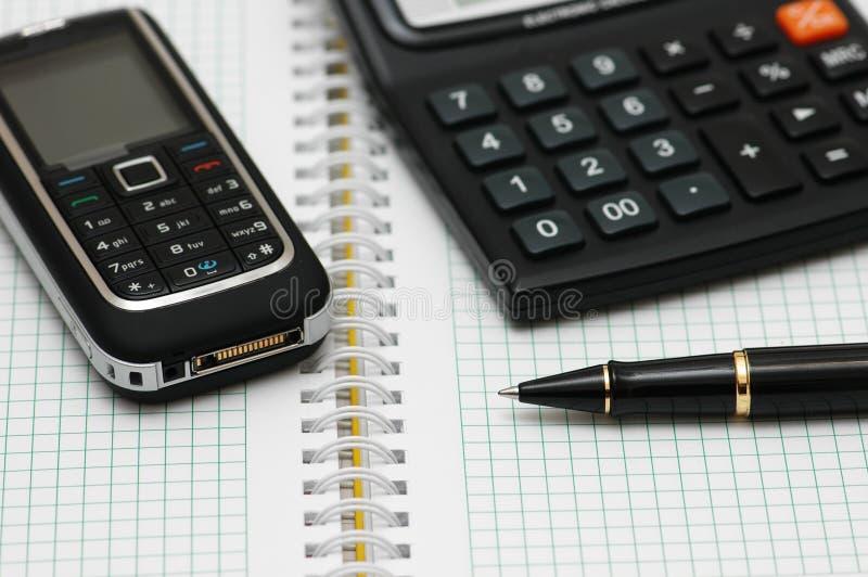 计算器移动p电话 免版税库存照片