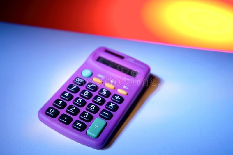 计算器紫色 免版税库存图片