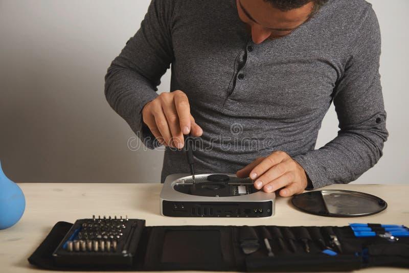 计算机和电话repairment服务 免版税库存图片