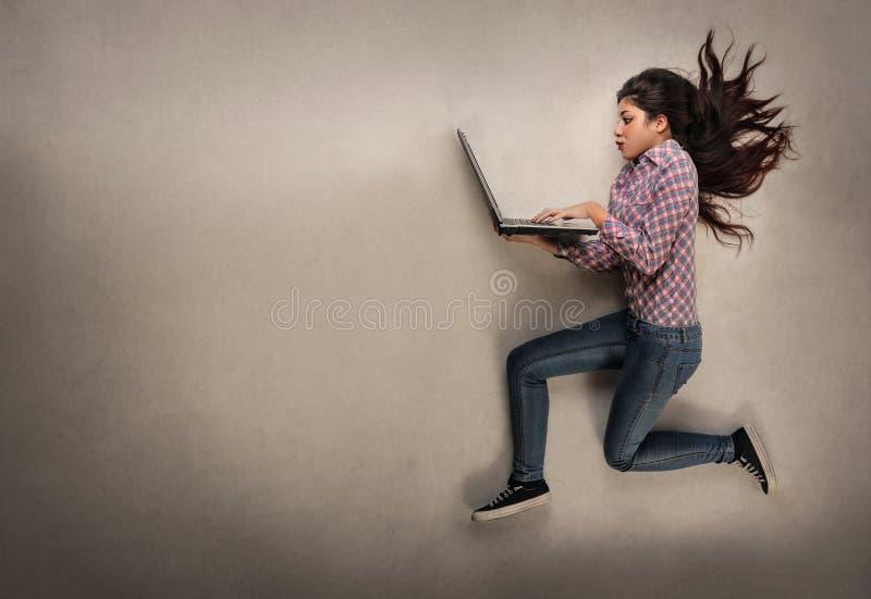 计算机女孩使用 库存照片