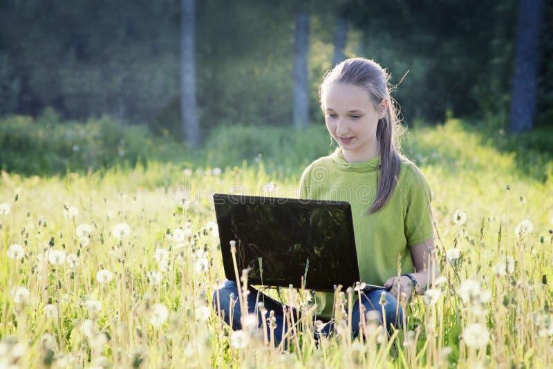 计算机女孩 图库摄影