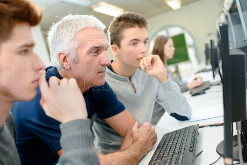 计算机选件类的学员 图库摄影