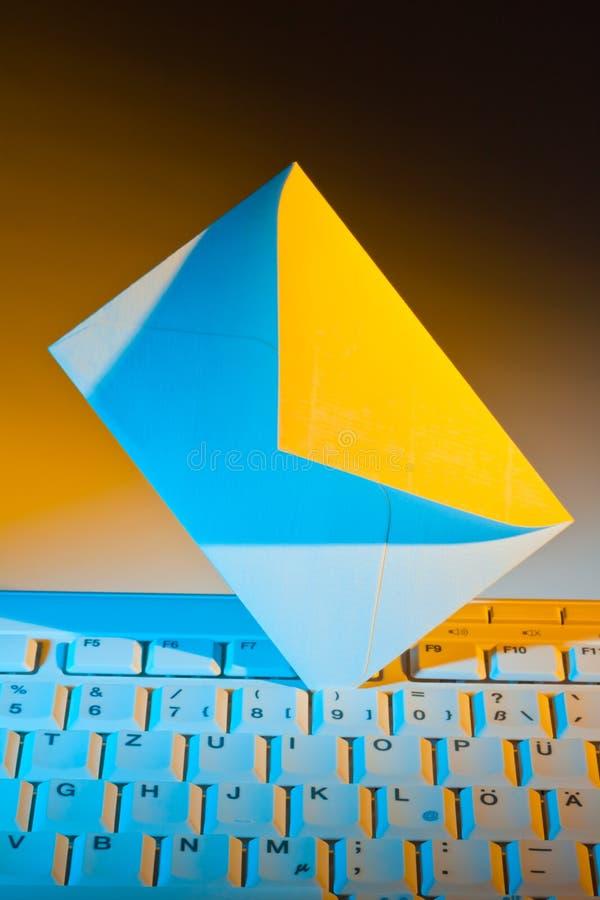 计算机e信包关键董事会邮件 库存照片