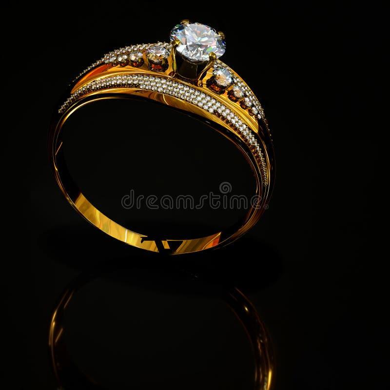订婚与首饰金刚石宝石的金戒指在表面反射 免版税图库摄影