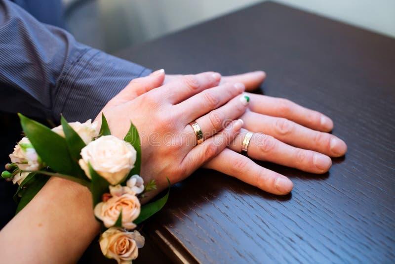 订婚金戒指 免版税库存照片