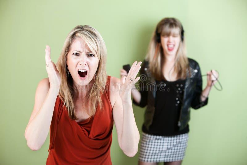 讨厌的妇女年轻人 库存图片