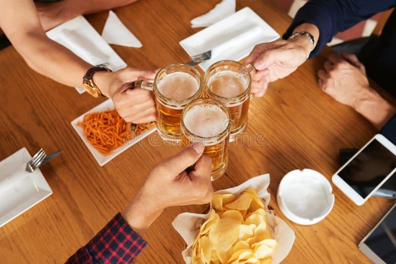 让我们的会议的饮料 库存图片