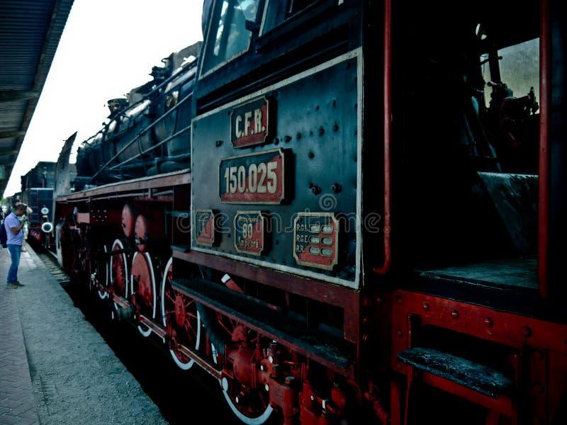 训练旅行的引擎和平的布加勒斯特罗马尼亚欧洲目的地 免版税图库摄影