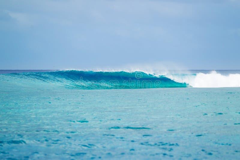 训练的海浪飞溅 库存图片