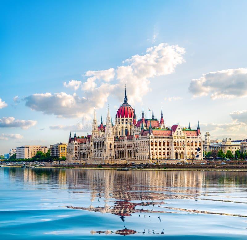 议会和多瑙河 免版税库存照片