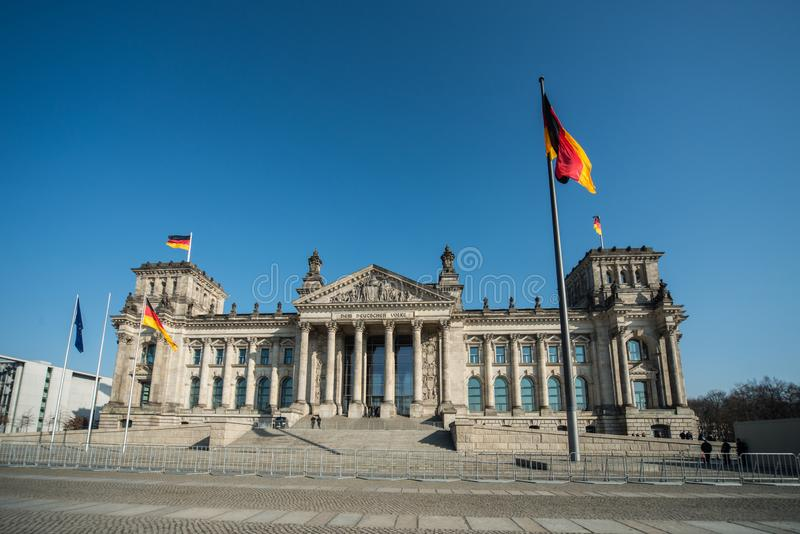 议会和死命Reichstag柏林Reichskuppel 免版税库存照片