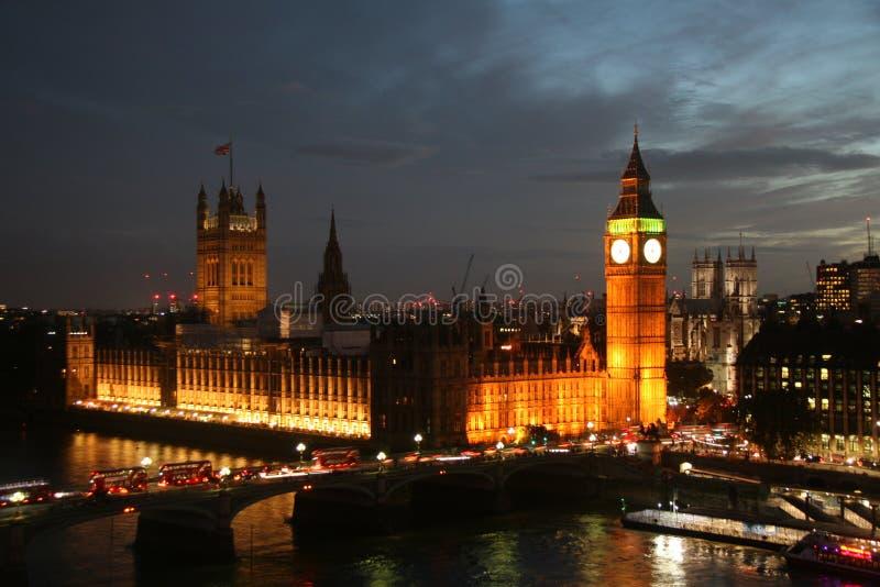 议会房子在平衡的大本钟的 免版税库存照片