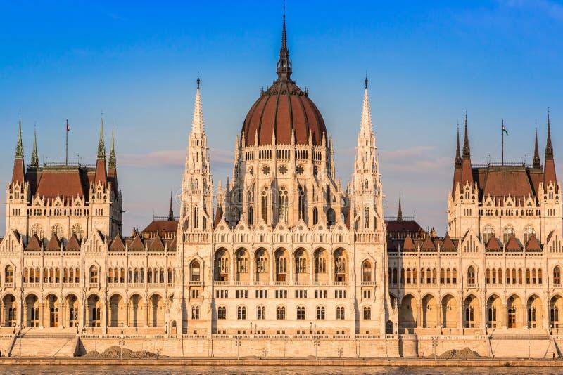 议会的大厦在布达佩斯,匈牙利 免版税库存图片