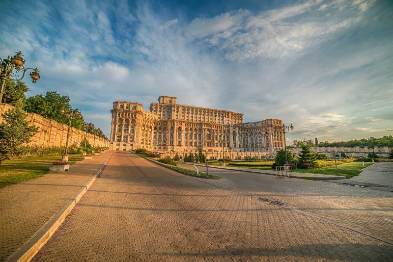议会的宫殿在布加勒斯特,罗马尼亚 免版税库存图片