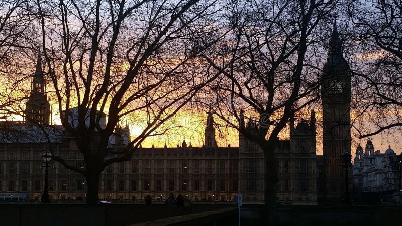 议会议院在日落伦敦英国的 免版税库存图片