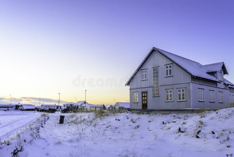 议院和雪 免版税库存照片