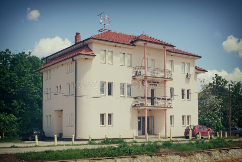议院在村庄格拉查尼察,塞尔维亚 免版税库存照片