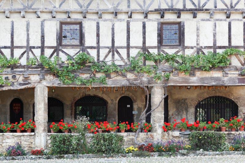 议院在Perouges中世纪村庄  免版税库存图片