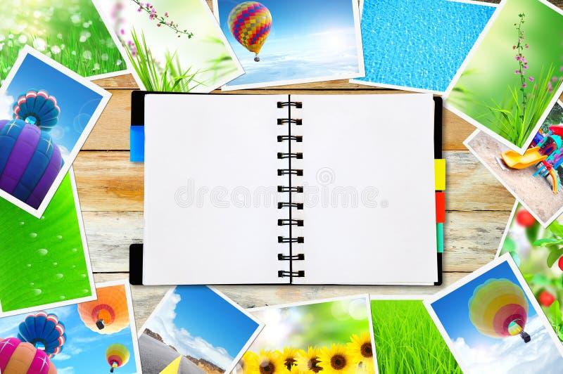 Download 记事本 库存照片. 图片 包括有 绿色, 装饰, 对象, 概念, 图标, 纸张, 附注, 商业, 花卉, 通信 - 22353490