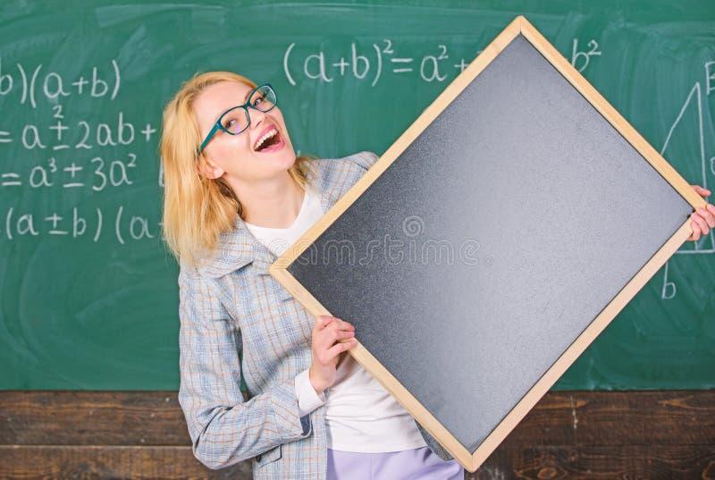 记住这信息 学校日程表和信息 Hometask?? 老师展示学校信息 免版税库存图片