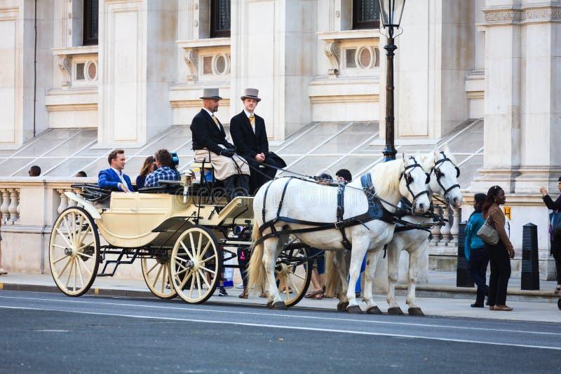 记者在伦敦, 24采访演员 04 2011年 免版税库存照片
