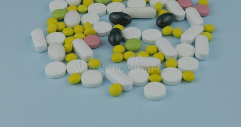 许多不同的药片和药物 医学、药片和片剂 库存照片