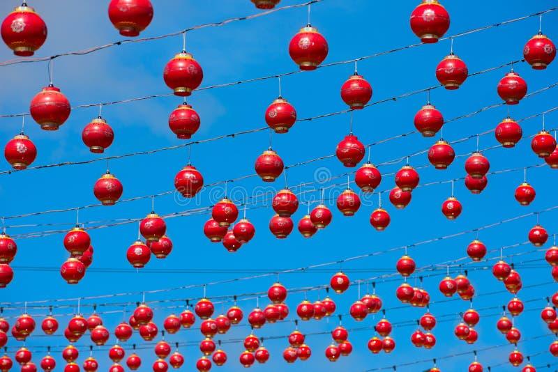 许多中国的灯笼红色 免版税库存照片