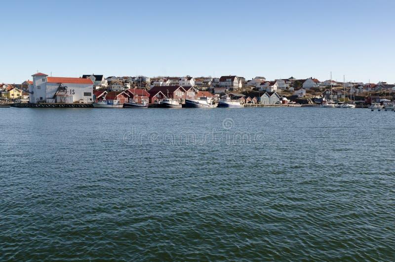 许多在出去的港口等待的渔船 免版税库存图片