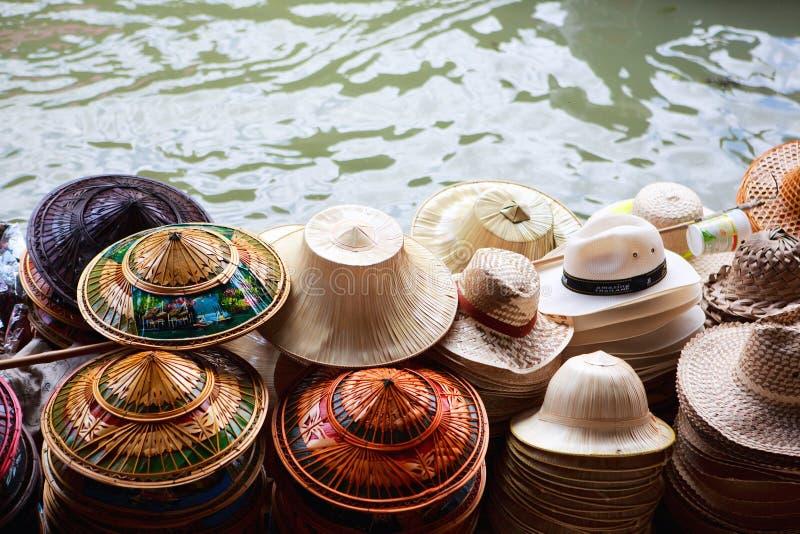 许多的帽子销售额 库存照片